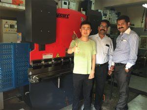 India kliendid külastavad tehaseid ja ostavad masinaid