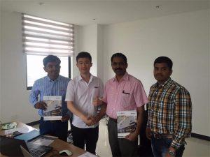 Sri Lanka kliendid arutavad meie büroos Mr.Tai'iga seotud tehnoloogiat