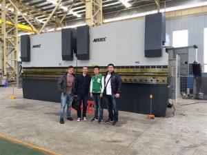 Vietnami kliendid külastavad meie tehast