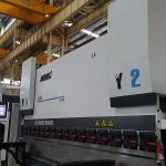 6-teljeline hüdrauliline Cnc-piduripedaal 200 tonni 3100 mm tsentraalse tagasitõmbe jaoks XR Z1 Z2-telg