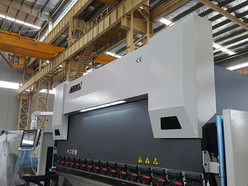 a28b041b2d3 Servo elektriline 55-tonnine CNC-piduriseade, mille 5-aastane garantii on  tagatud